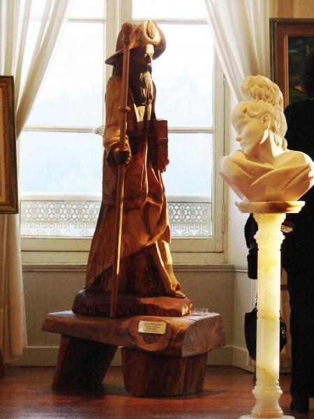2-sculpture-en-bois-de-noyer-buste-en-marbre
