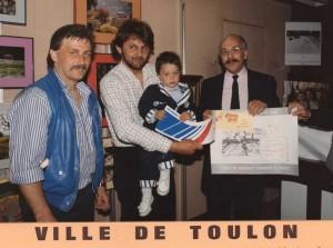 remise du prix a Toulon - Meilleur Portraitiste de Provence 1987