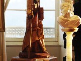sculpture en bois de noyer +buste en marbre